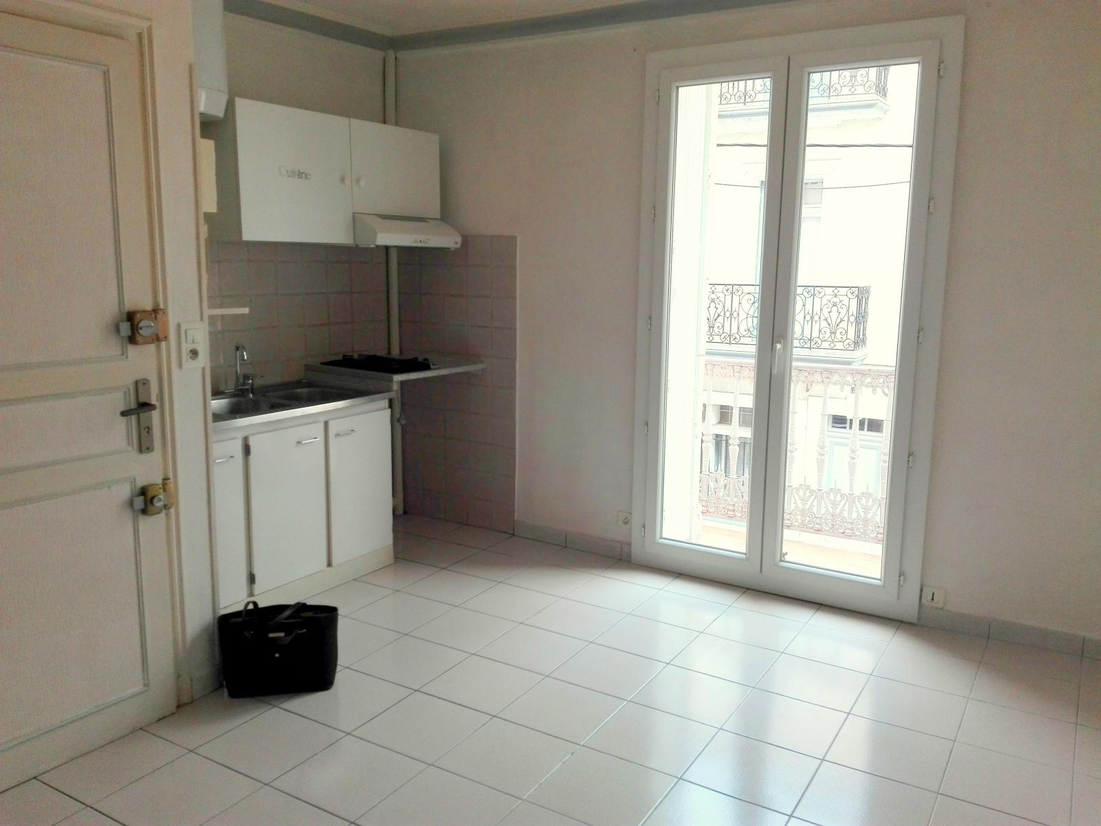 Annonce location appartement b ziers 34500 30 m 420 for Location appartement meuble beziers